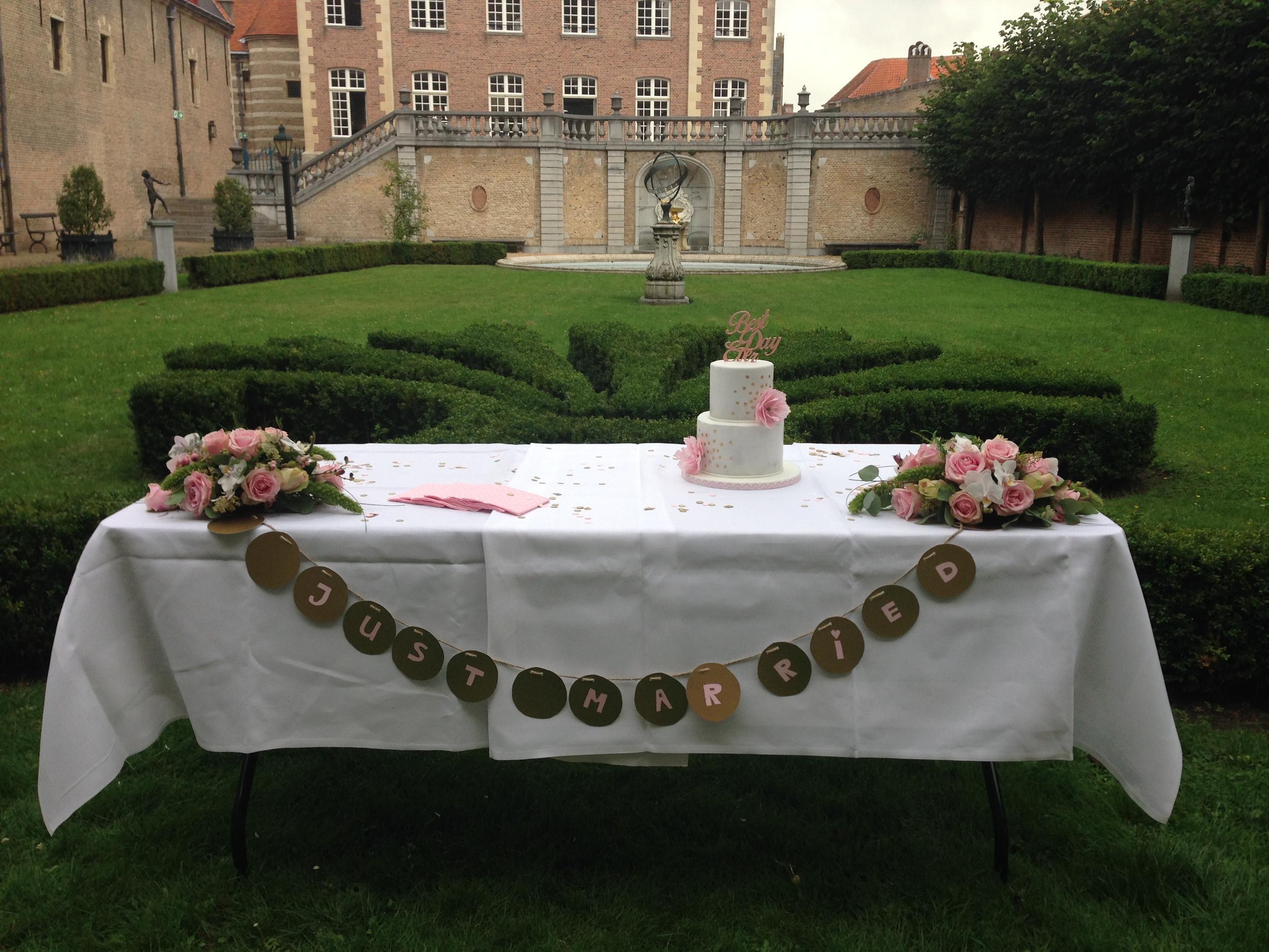 Just married @ Markiezenhof